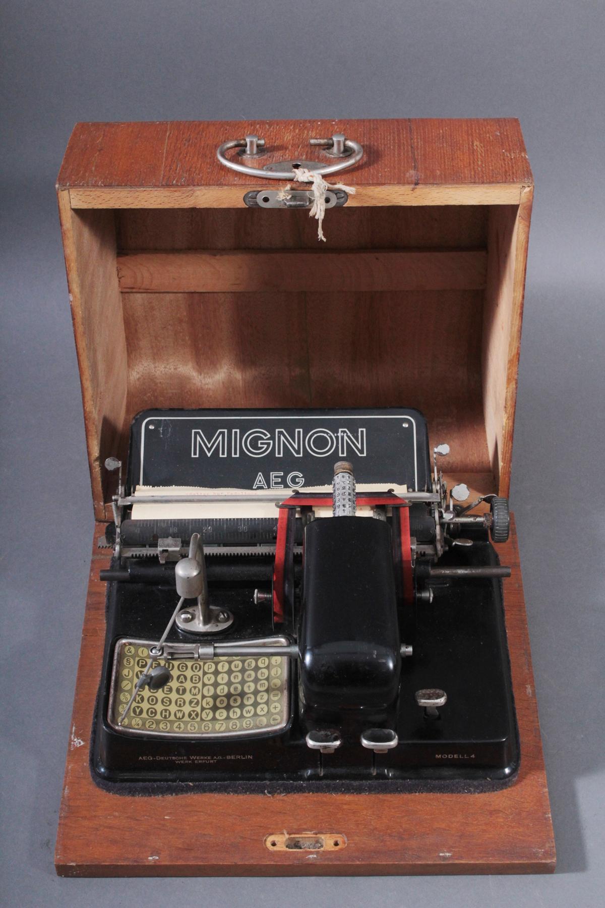Mignon Schreibmaschine von AEG aus den 1920er Jahren