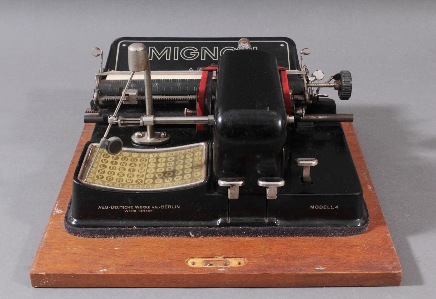 Mignon Schreibmaschine von AEG aus den 1920er Jahren-3
