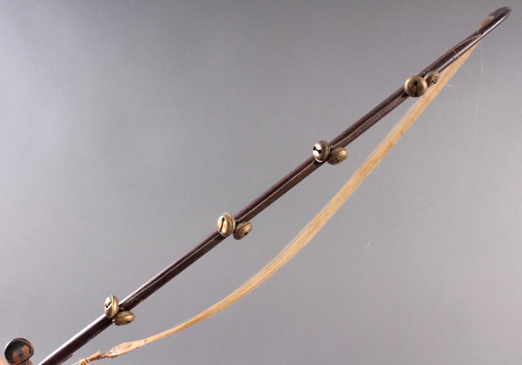 Mandoline mit Bogen aus dem 19. Jh.-5