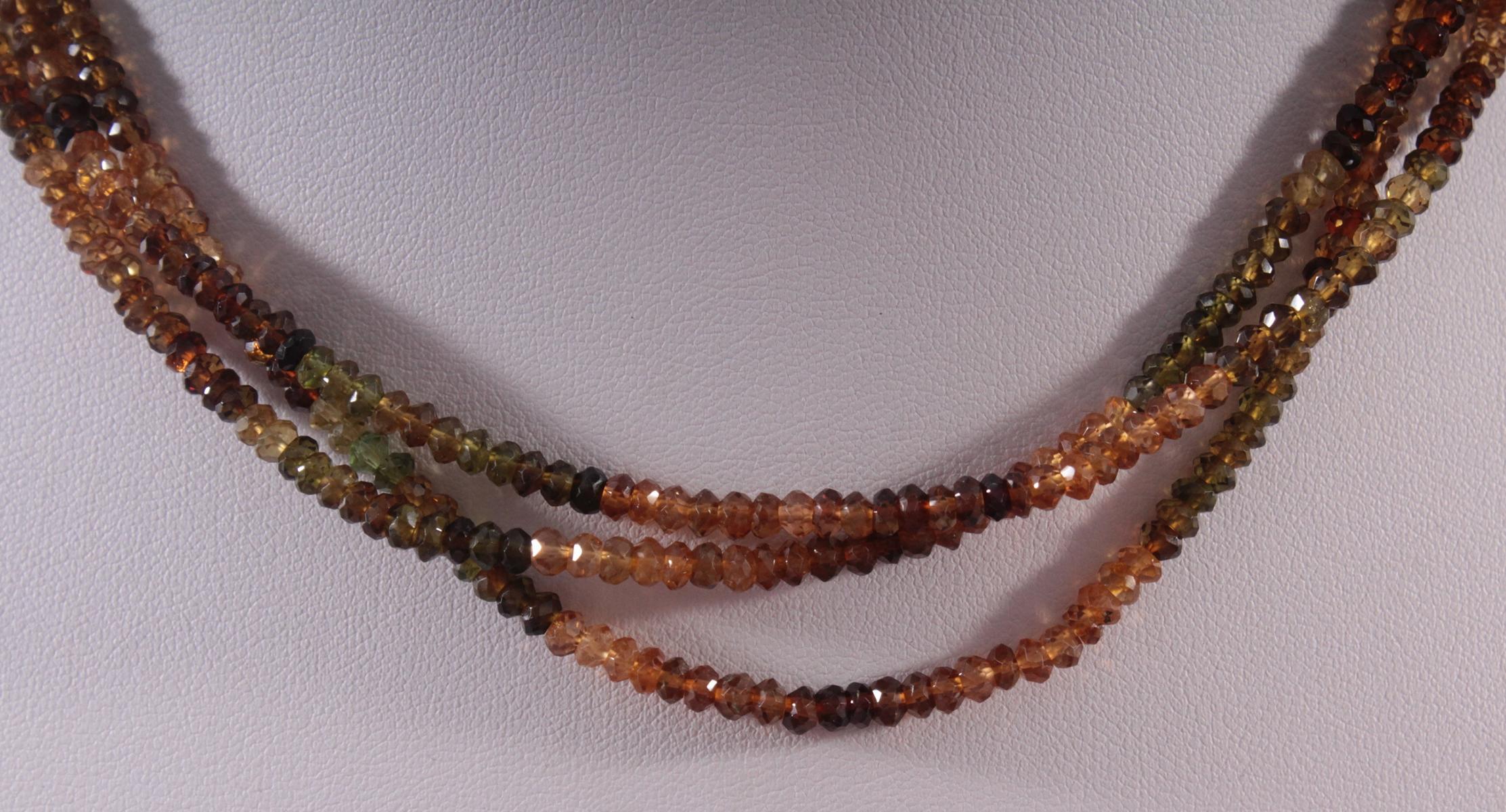 Halskette aus Turmalinen-2