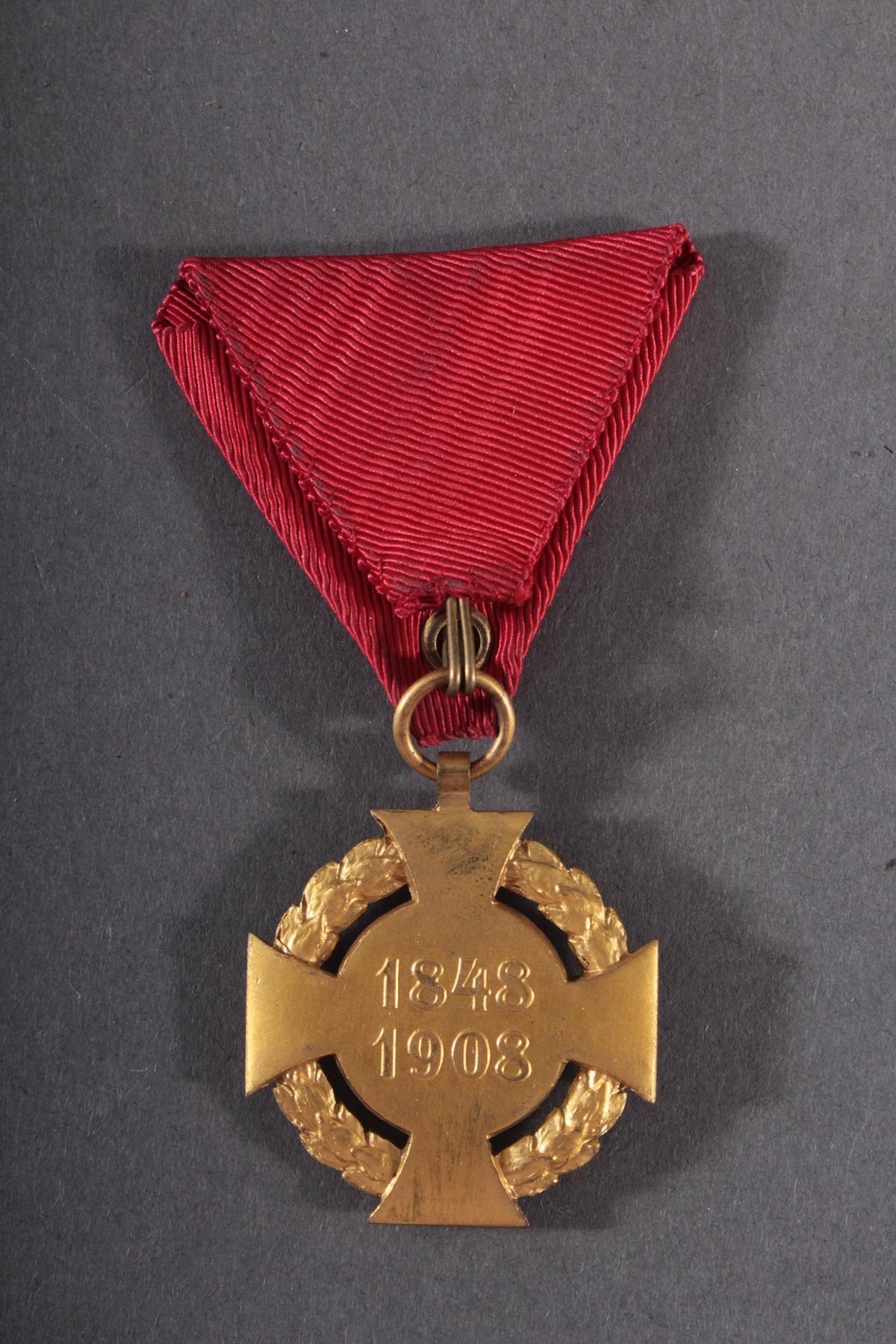 Österreich-Ungarn, Jubiläumskreuz 1848/1908 am Dreiecksband-2