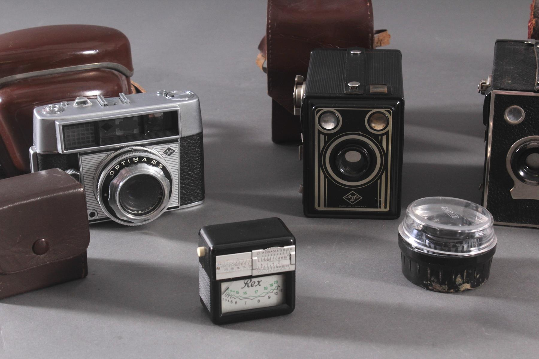 Konvolut Fotoapparate und Zubehör-2