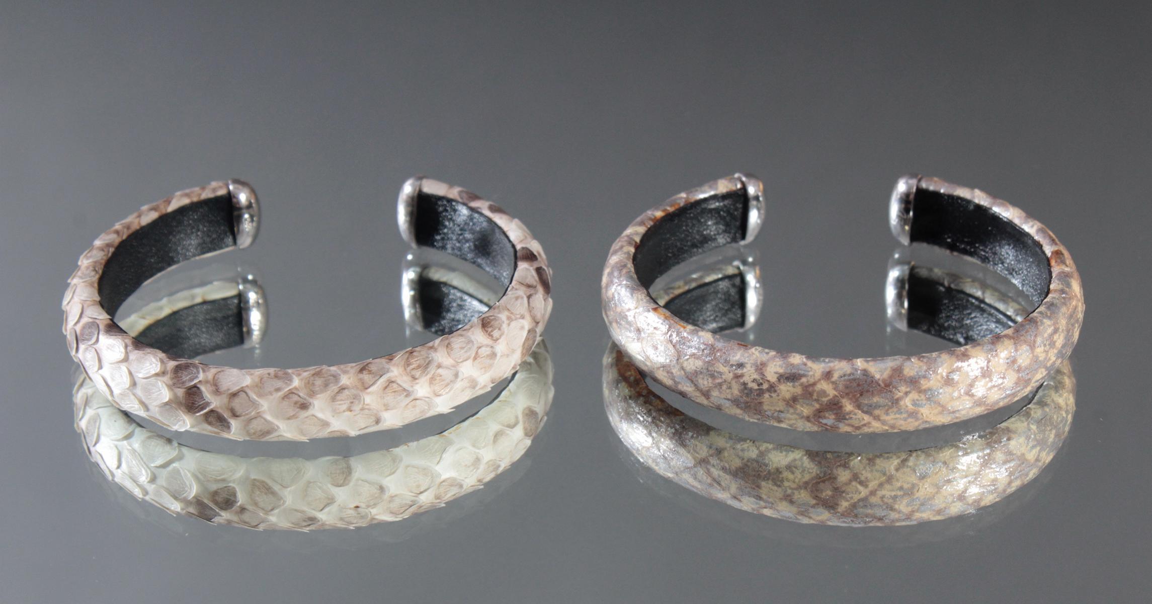 2 Schlangenleder-Armbänder mit Sterlingsilber-Montur