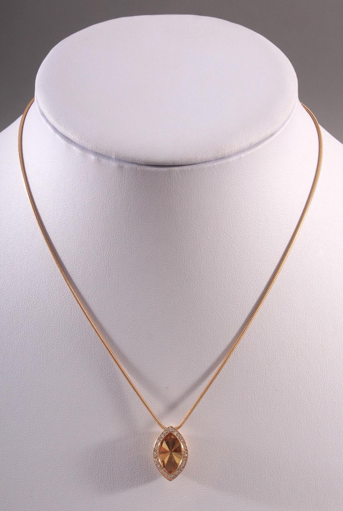 Halskette mit Citrin-Anhänger und Diamanten 18 Karat Gelbgold