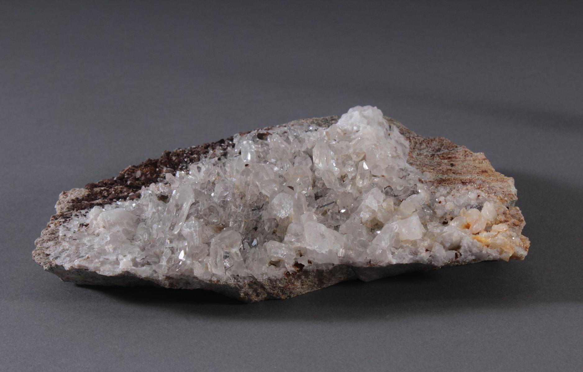 Quarzstufe-Siderit-Rutil-Sagenit-2