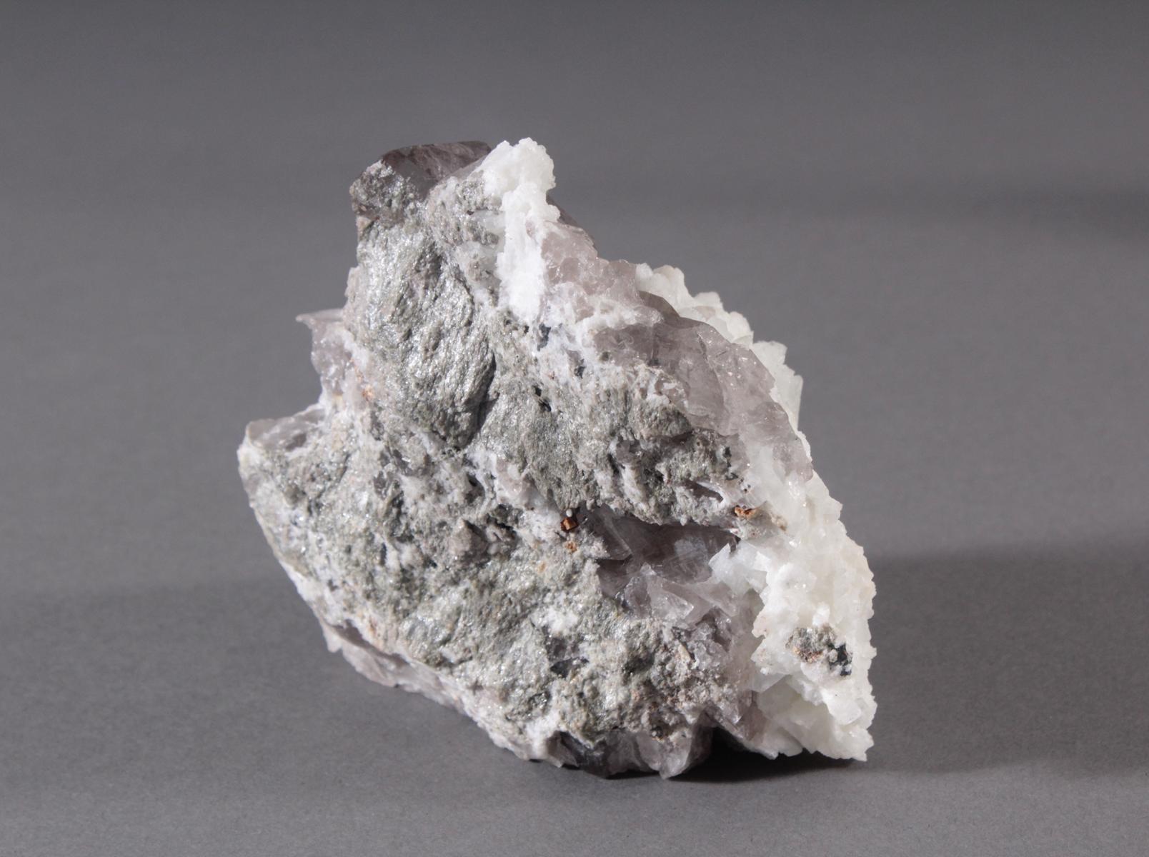 Rauchquarz-Faden-Ketten-Adular-Hämatit-Rutil-Siderit-2