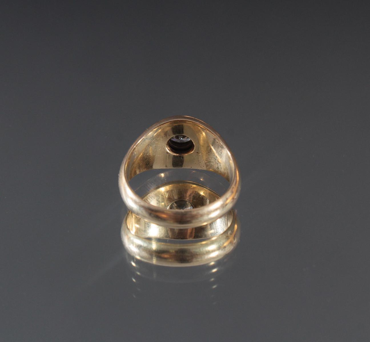 Herrenring aus 14 Karat Gelbgold mit Diamant von 1 Karat-4