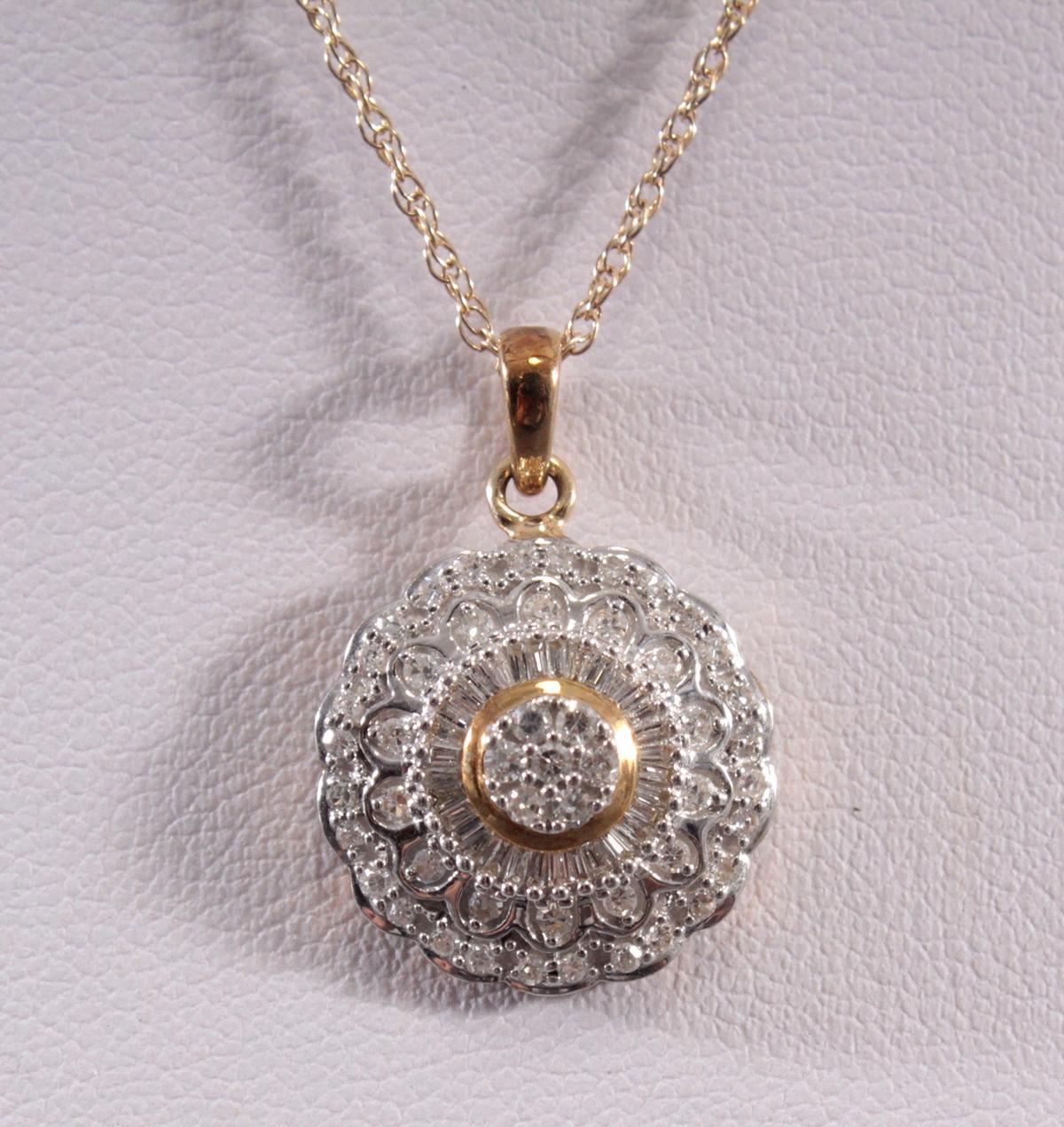 Halskette mit Diamantanhänger aus 8 Karat Weiß- und Gelbgold-2