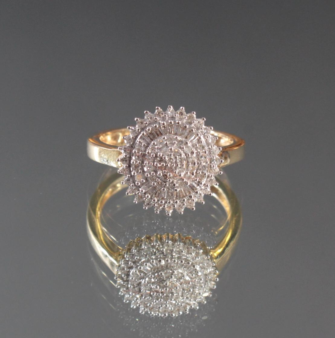 Damenring mit Diamanten aus 14 Karat Weiß- und Gelbgold