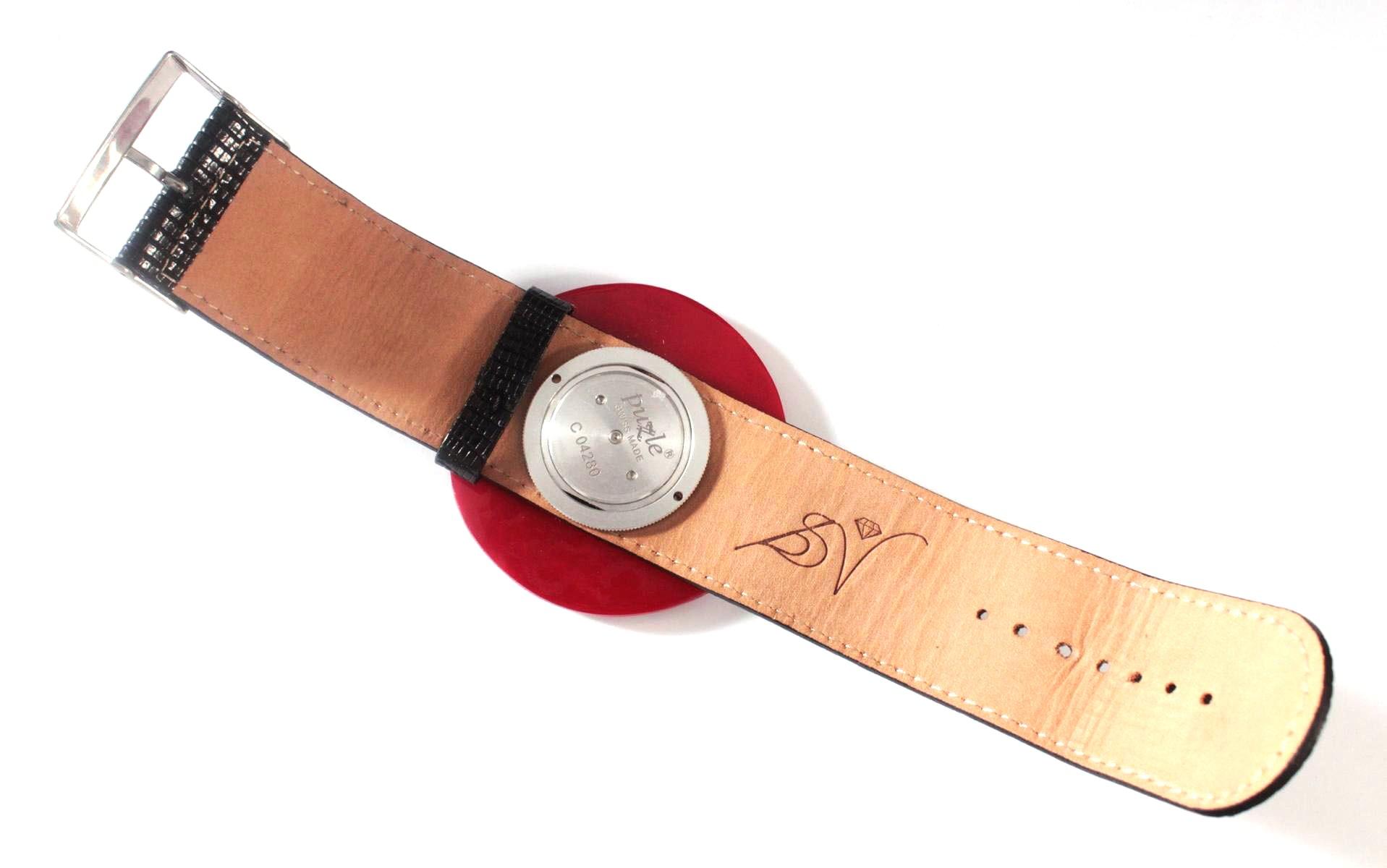 Damenarmbanduhr der Marke Puzle-3