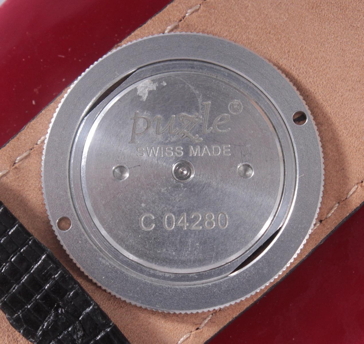 Damenarmbanduhr der Marke Puzle-4