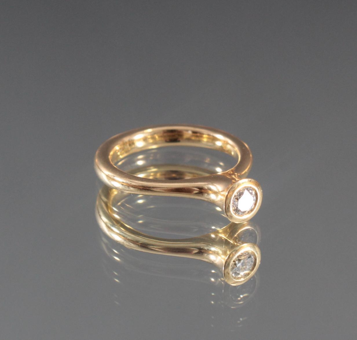 Damenring aus 18 Karat Gelbgold mit Diamant-2