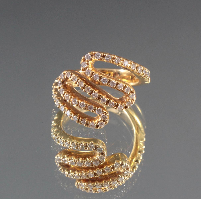 Damenring mit Diamanten aus 18 Karat Gelbgold