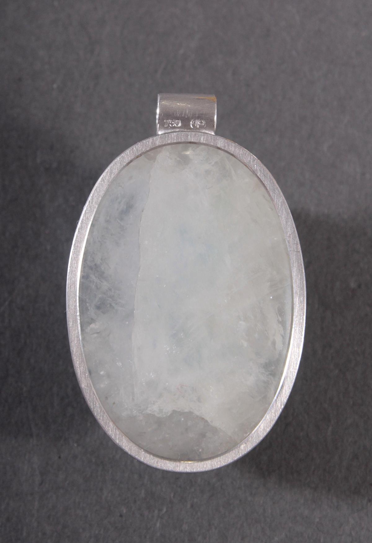 Anhänger aus Aquamarinstufe im Bergkristall mit 18 Karat Weißgoldfassung-2