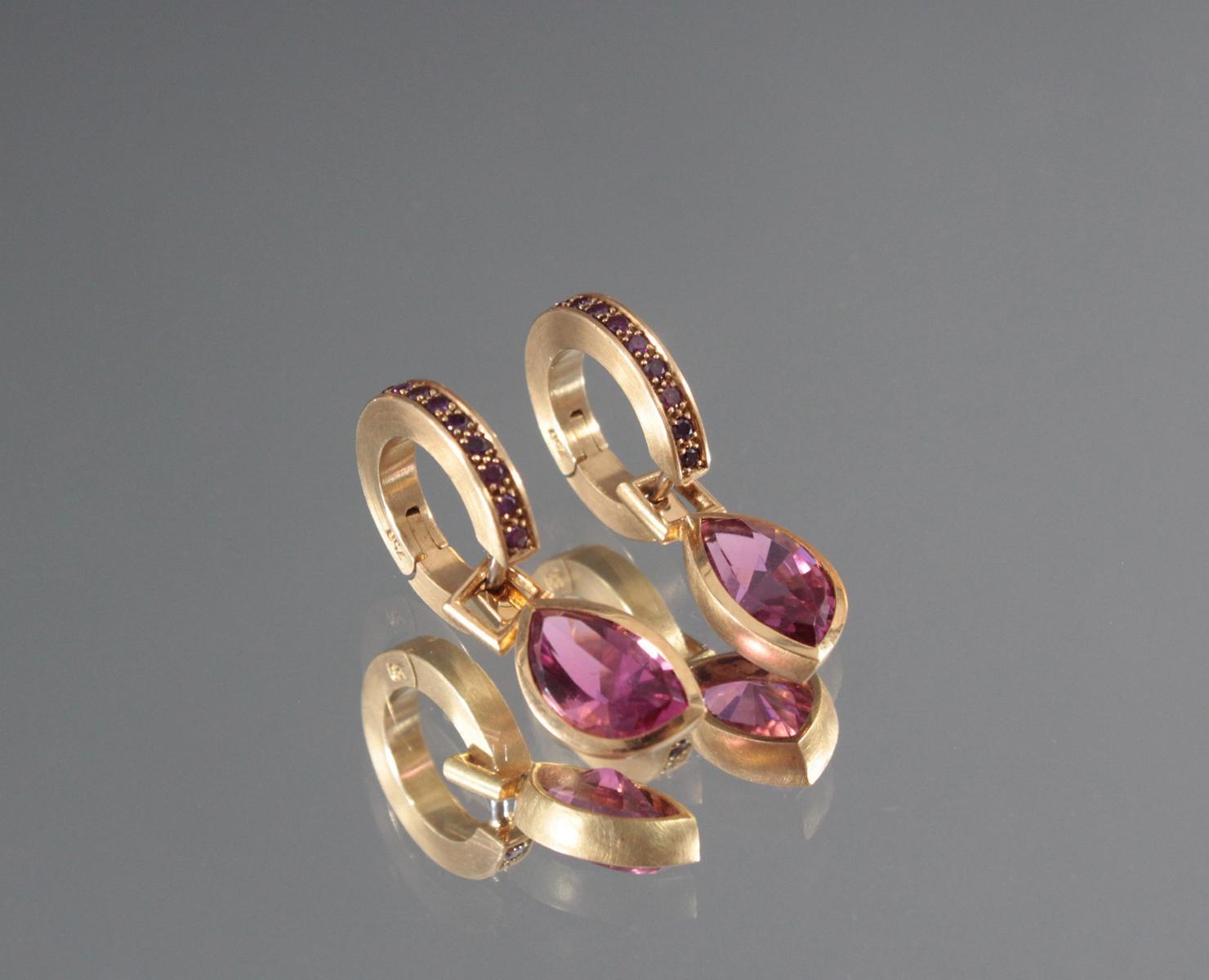 Paar Ohrringe mit facettierten Peridoten aus 18 Karat Gelbgold-2