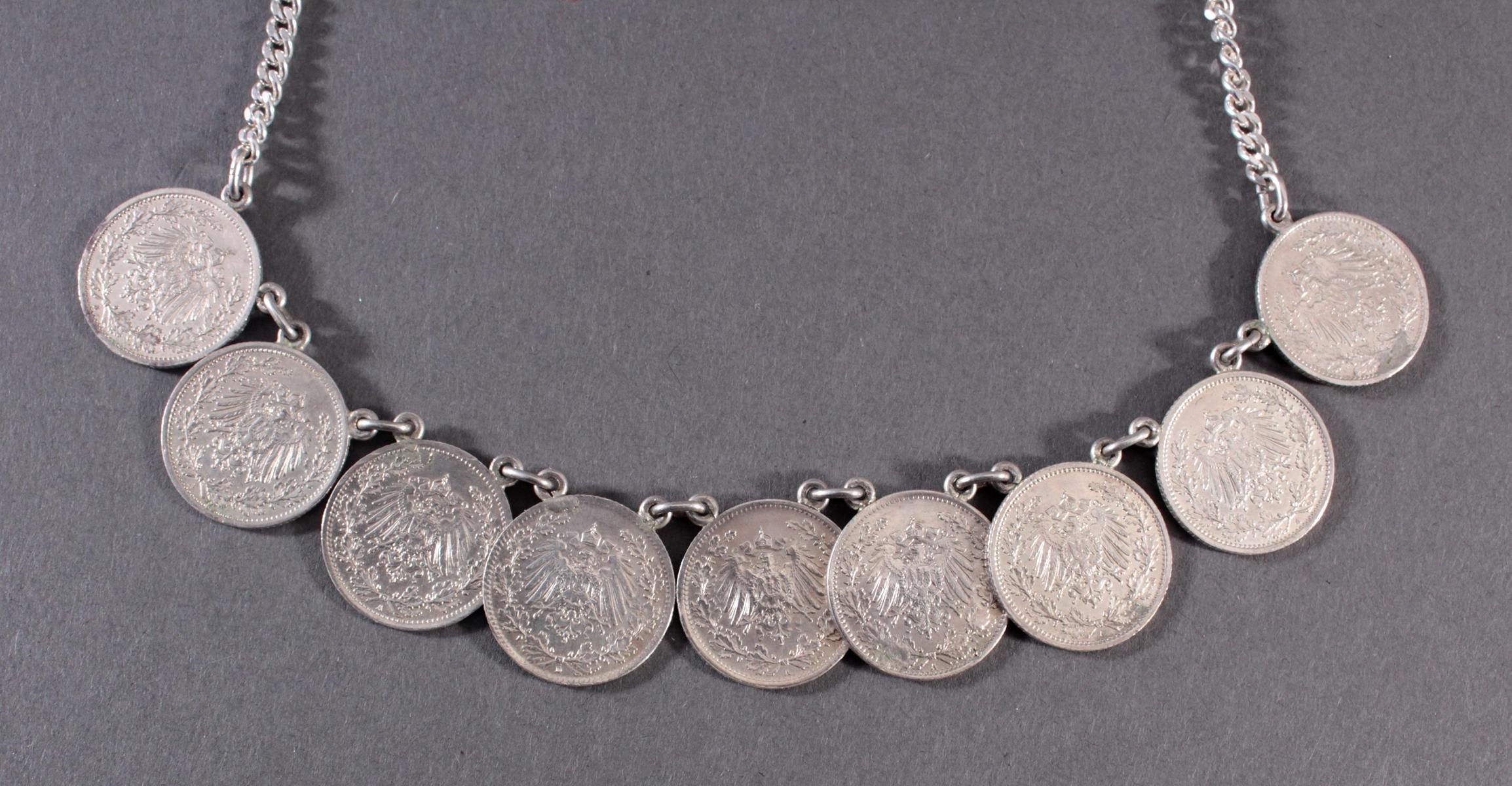 Halskette mit Silbermünzen-2