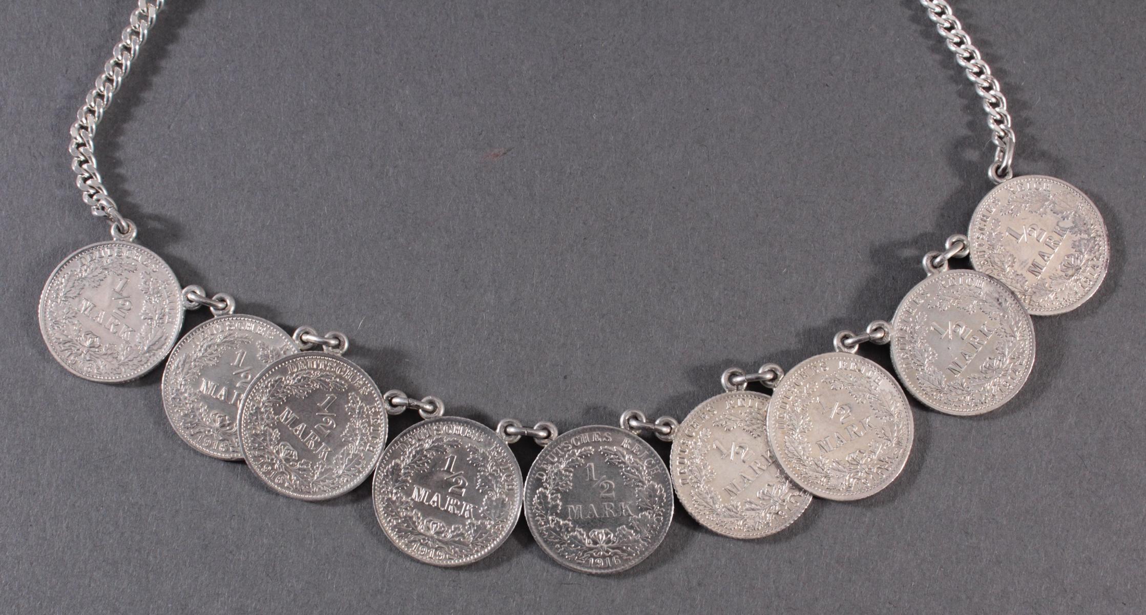 Halskette mit Silbermünzen-3