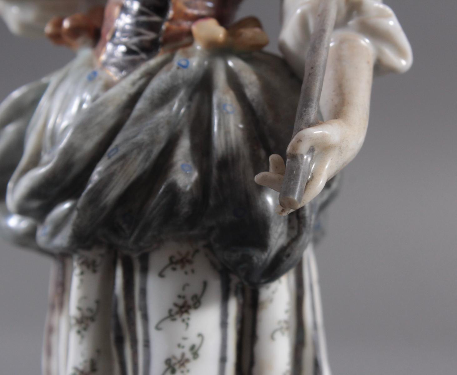 Zwei Porzellanfiguren-4