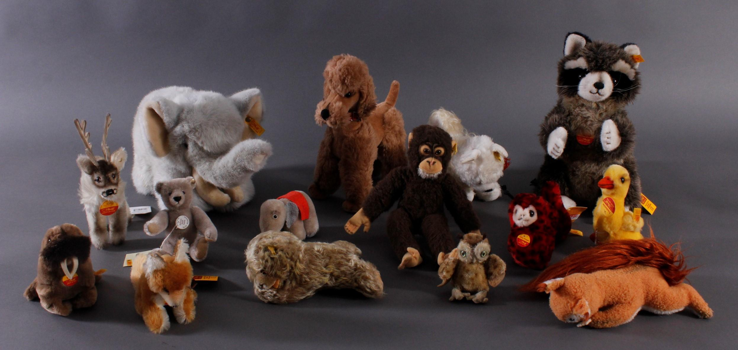 16 Steiff-Tiere