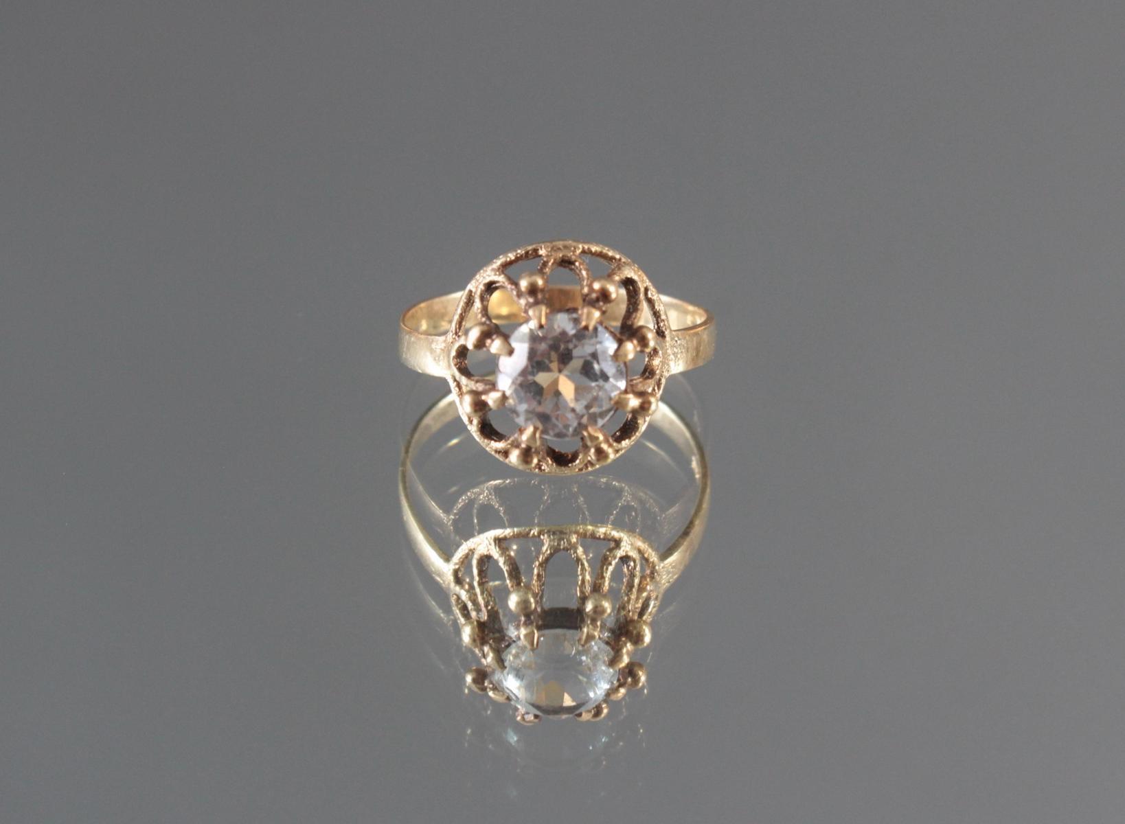Antiker Damenring mit Zirkonia im Diamantschliff, 14 Karat Gelbgold
