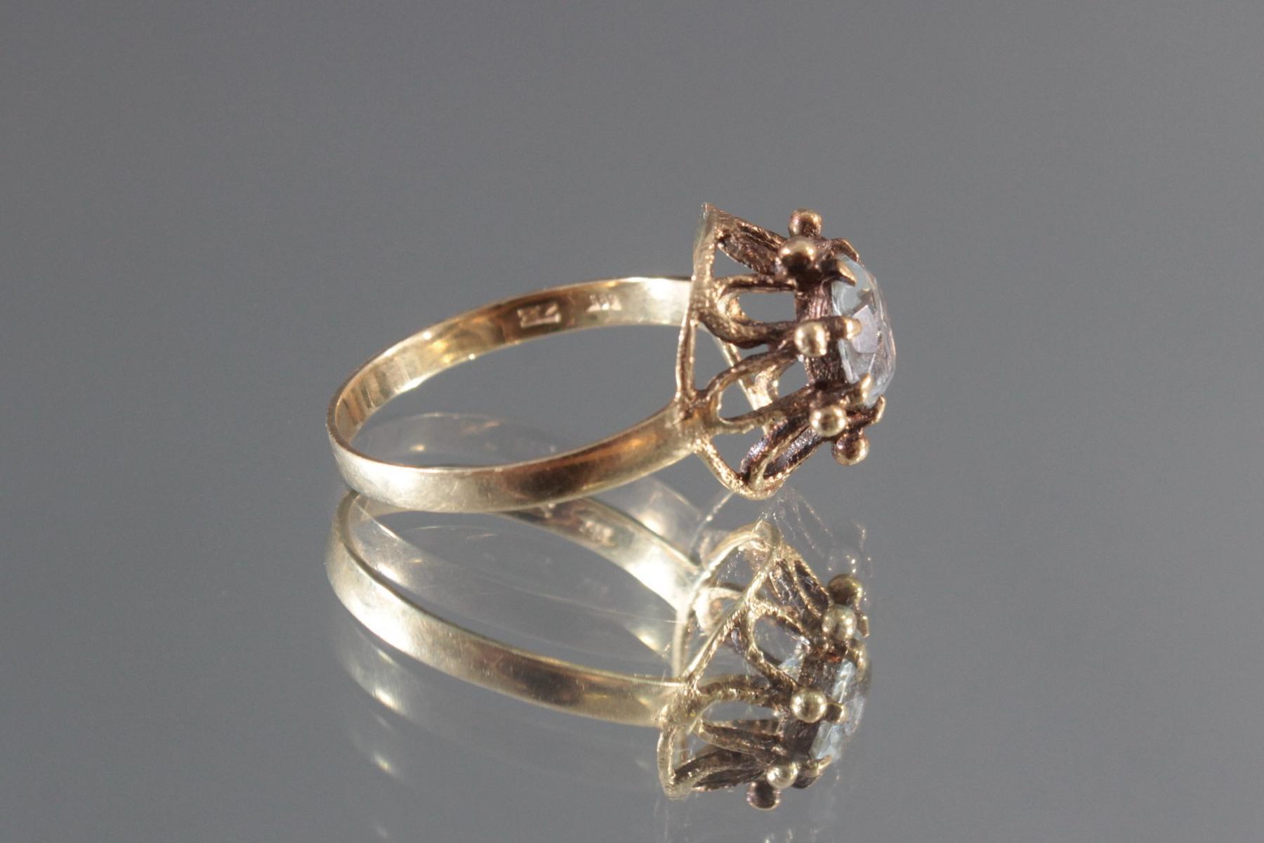 Antiker Damenring mit Zirkonia im Diamantschliff, 14 Karat Gelbgold-3