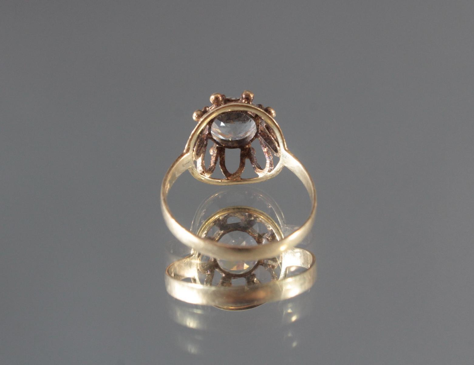 Antiker Damenring mit Zirkonia im Diamantschliff, 14 Karat Gelbgold-4