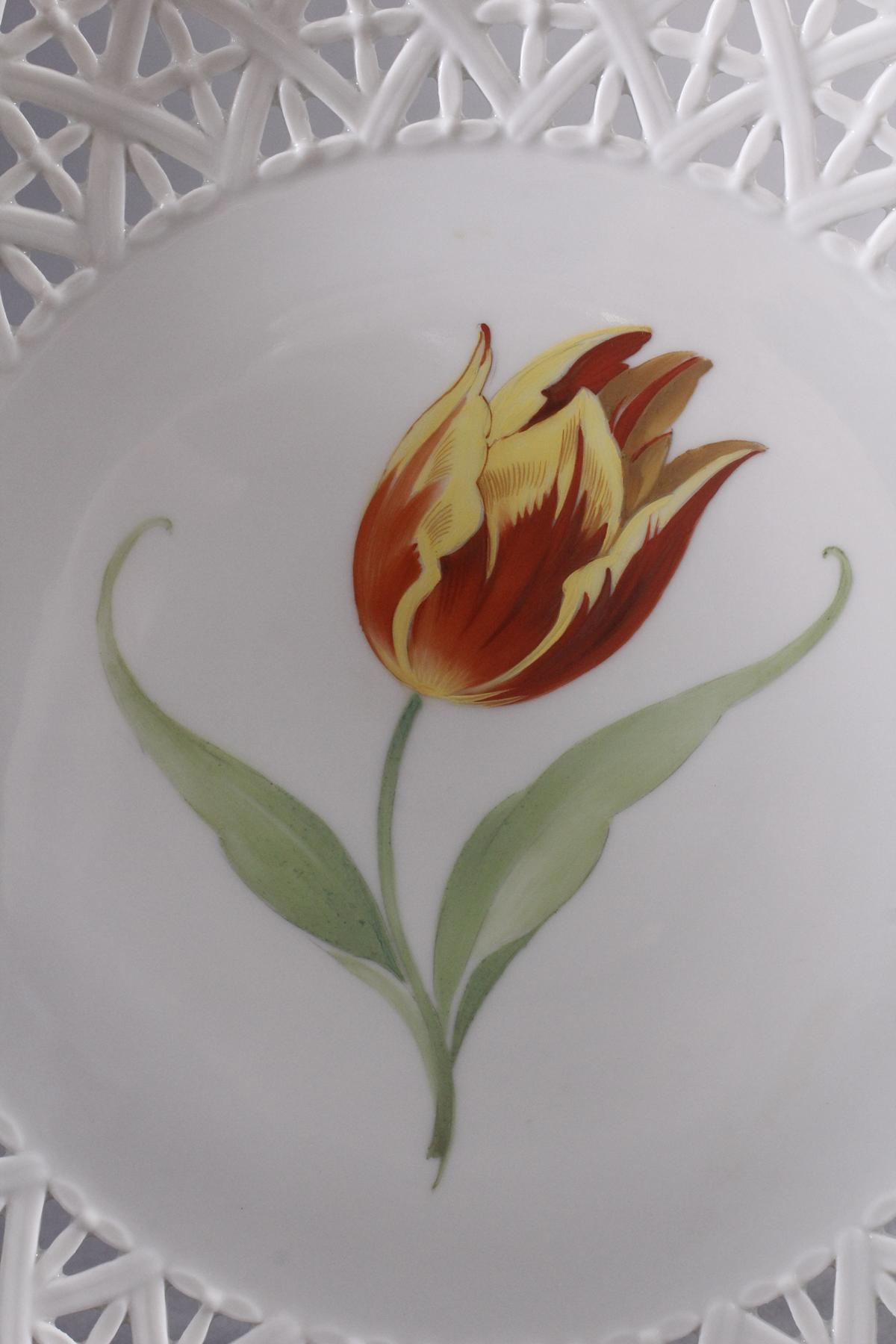 Paar Teller Höchst mit feiner Tulpenbemalung-3