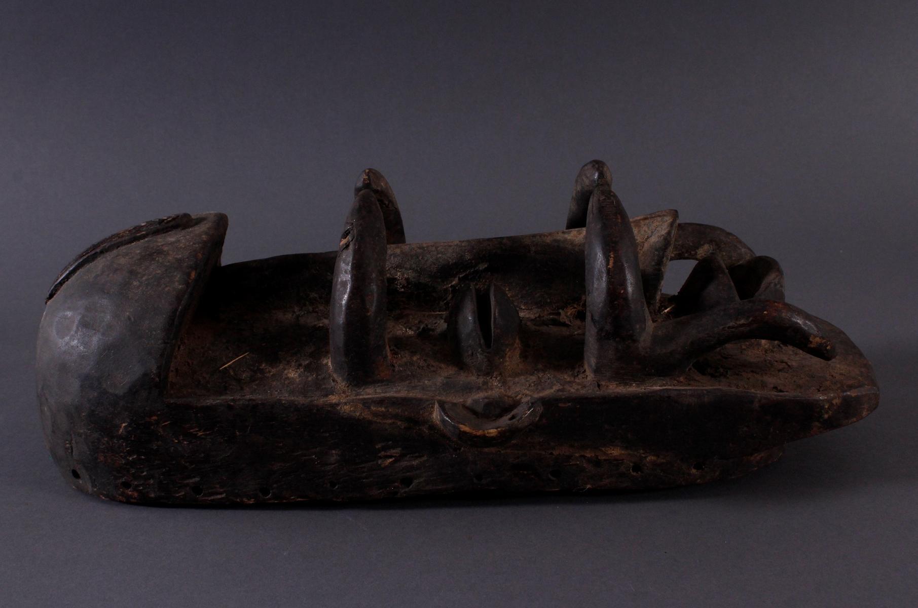 Antike Maske der Bete-2