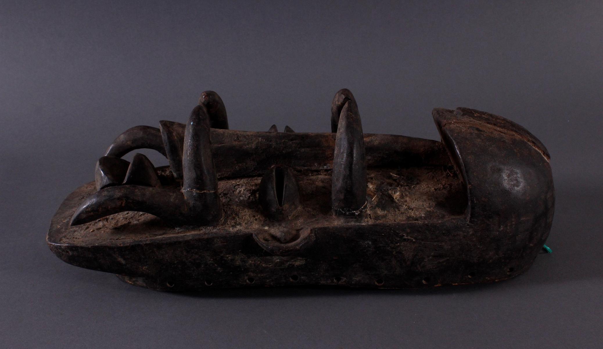 Antike Maske der Bete-3