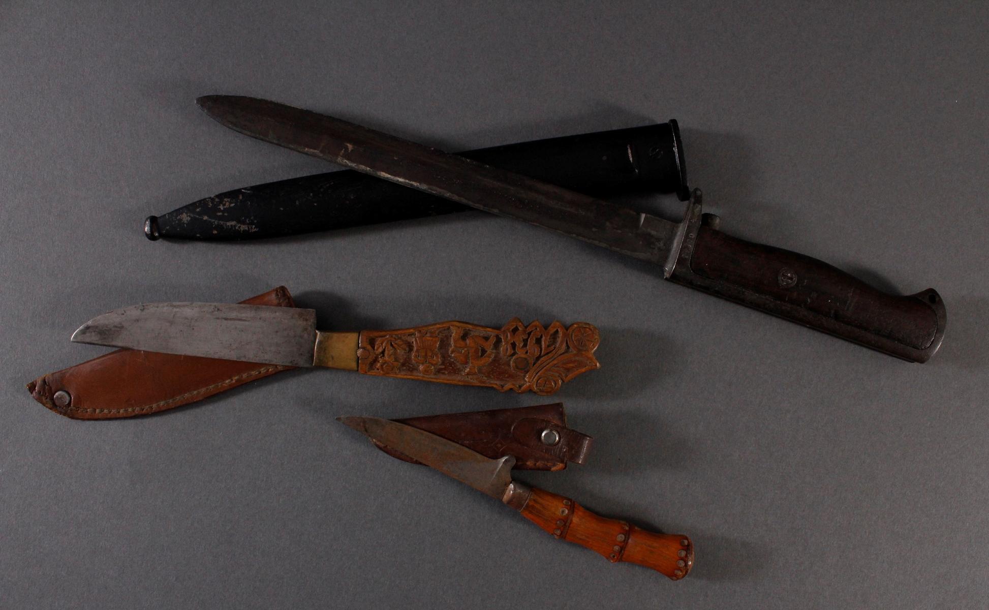 Zwei Messer und ein Seitengewehr-2