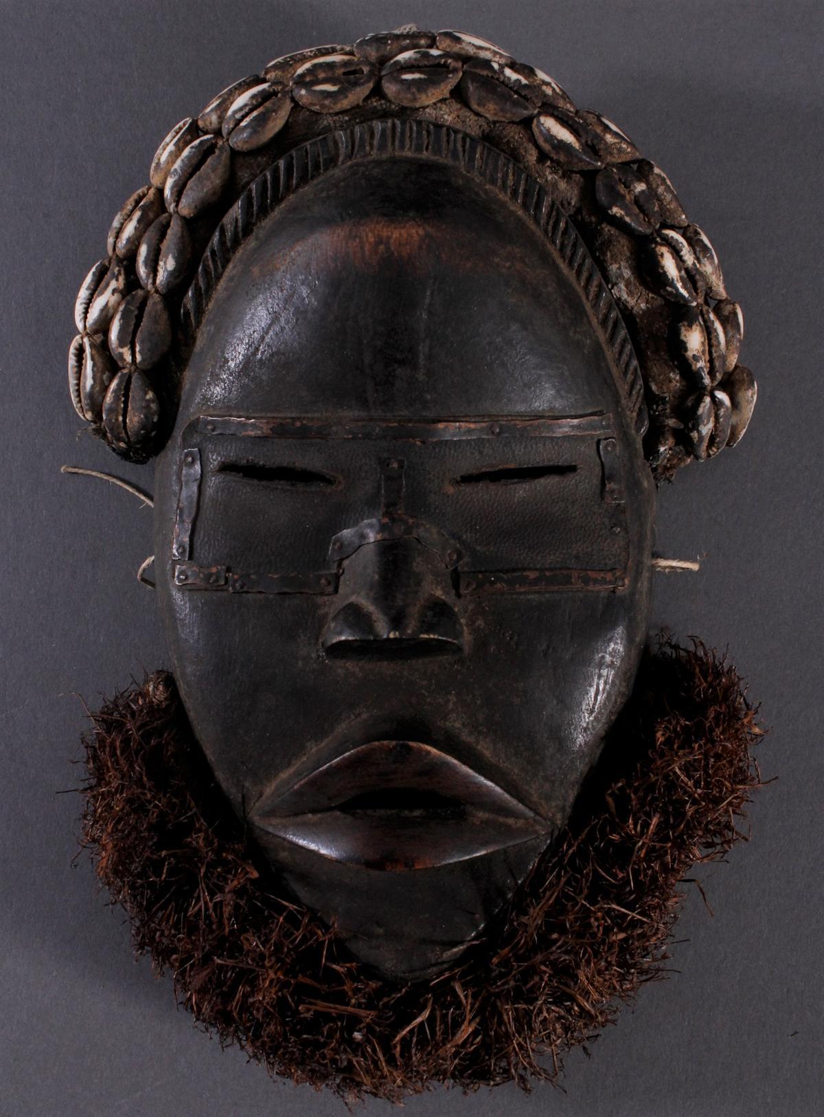 Antike Maske der Dan, Liberia