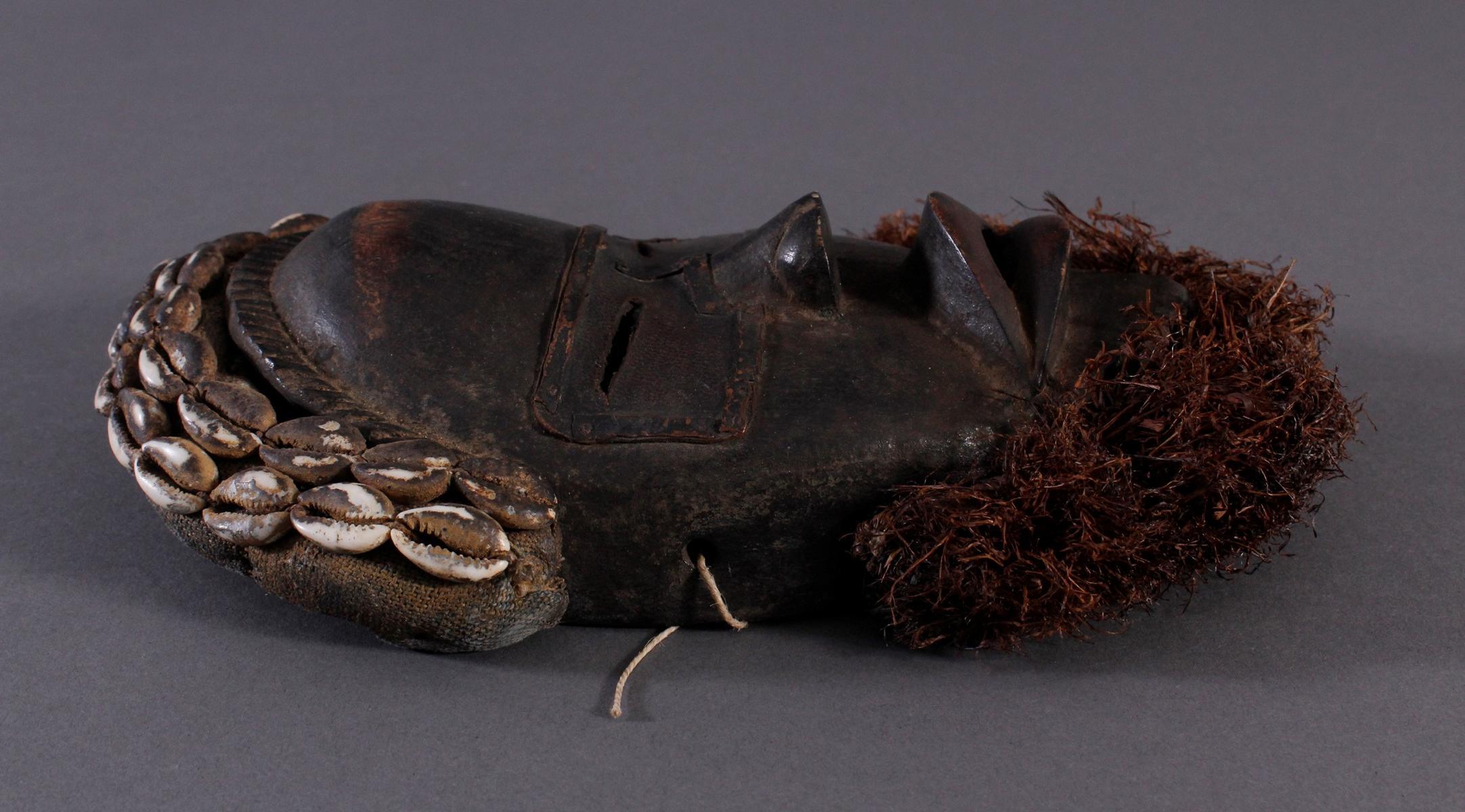 Antike Maske der Dan, Liberia-2
