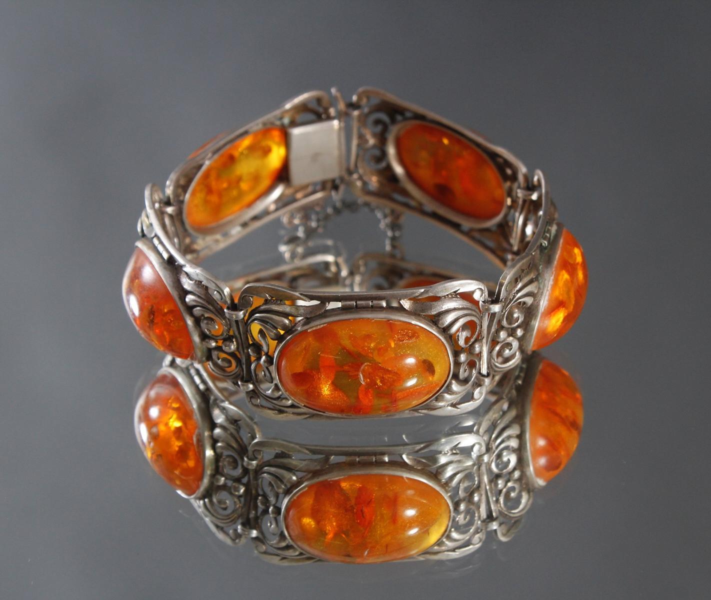 Antikes Silberarmband mit Bernsteincabochons