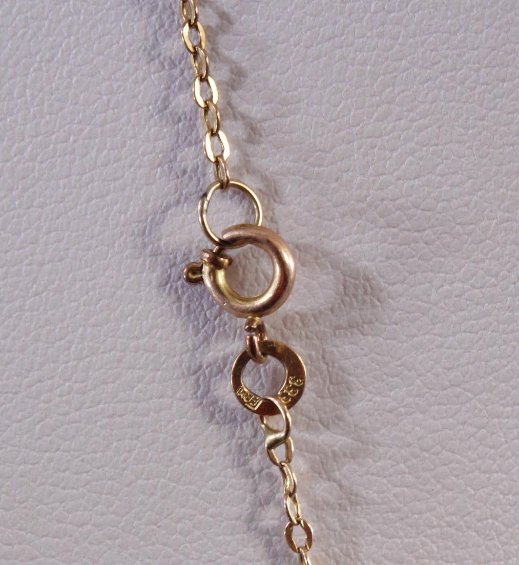 Halskette mit Anhänger und rotem Korallencabochon, 8 Karat Gelbgold-3