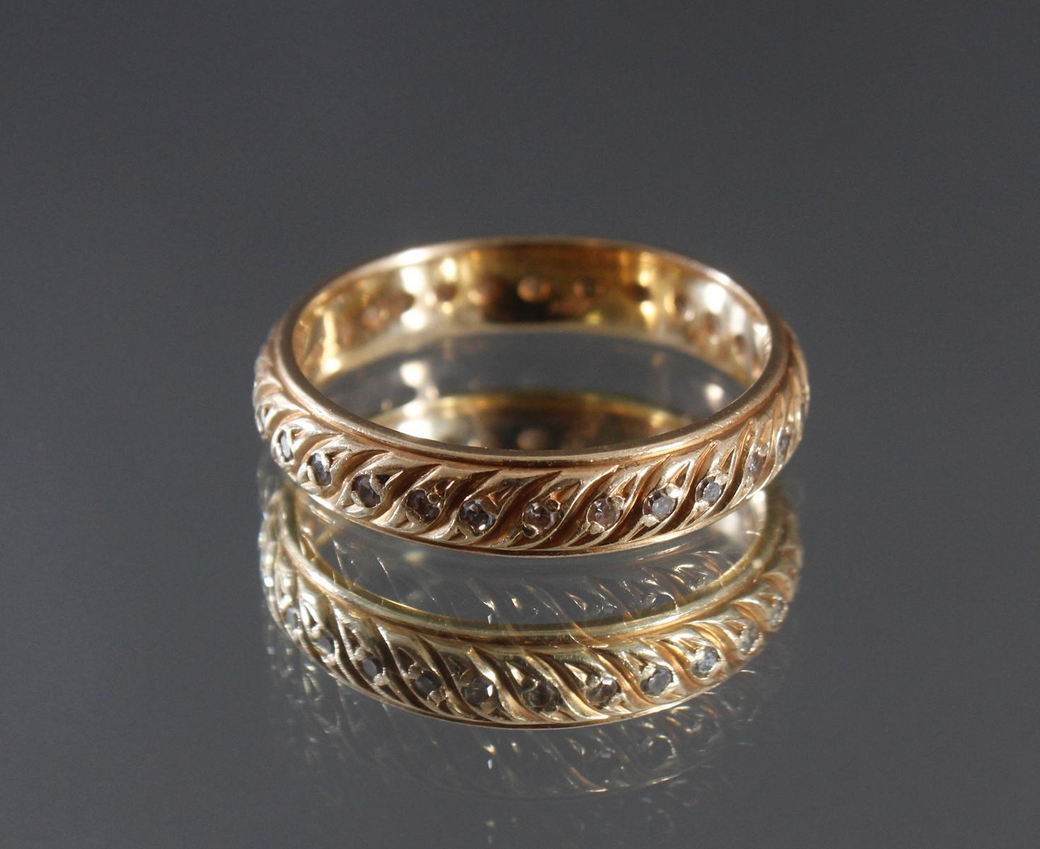 Memoryring mit Diamanten aus 14 Karat Gelbgold