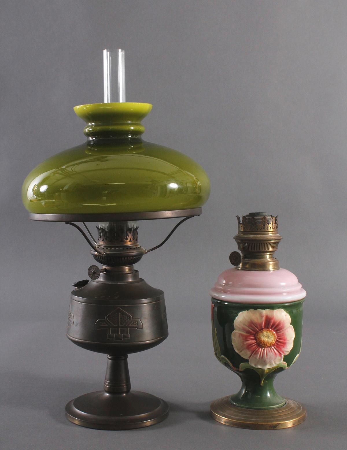 Zwei Petroleum Lampen um 1920