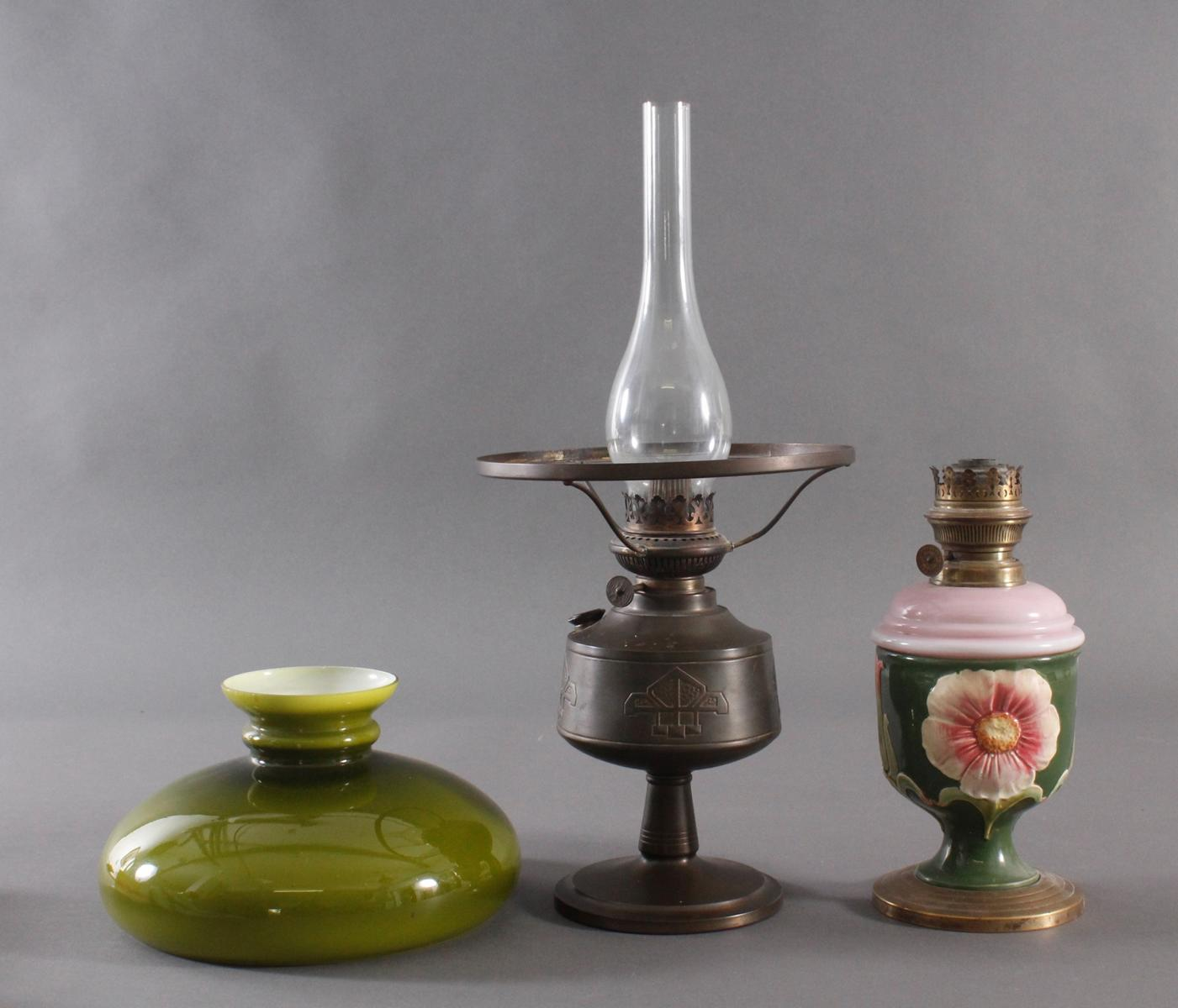 Zwei Petroleum Lampen um 1920-2