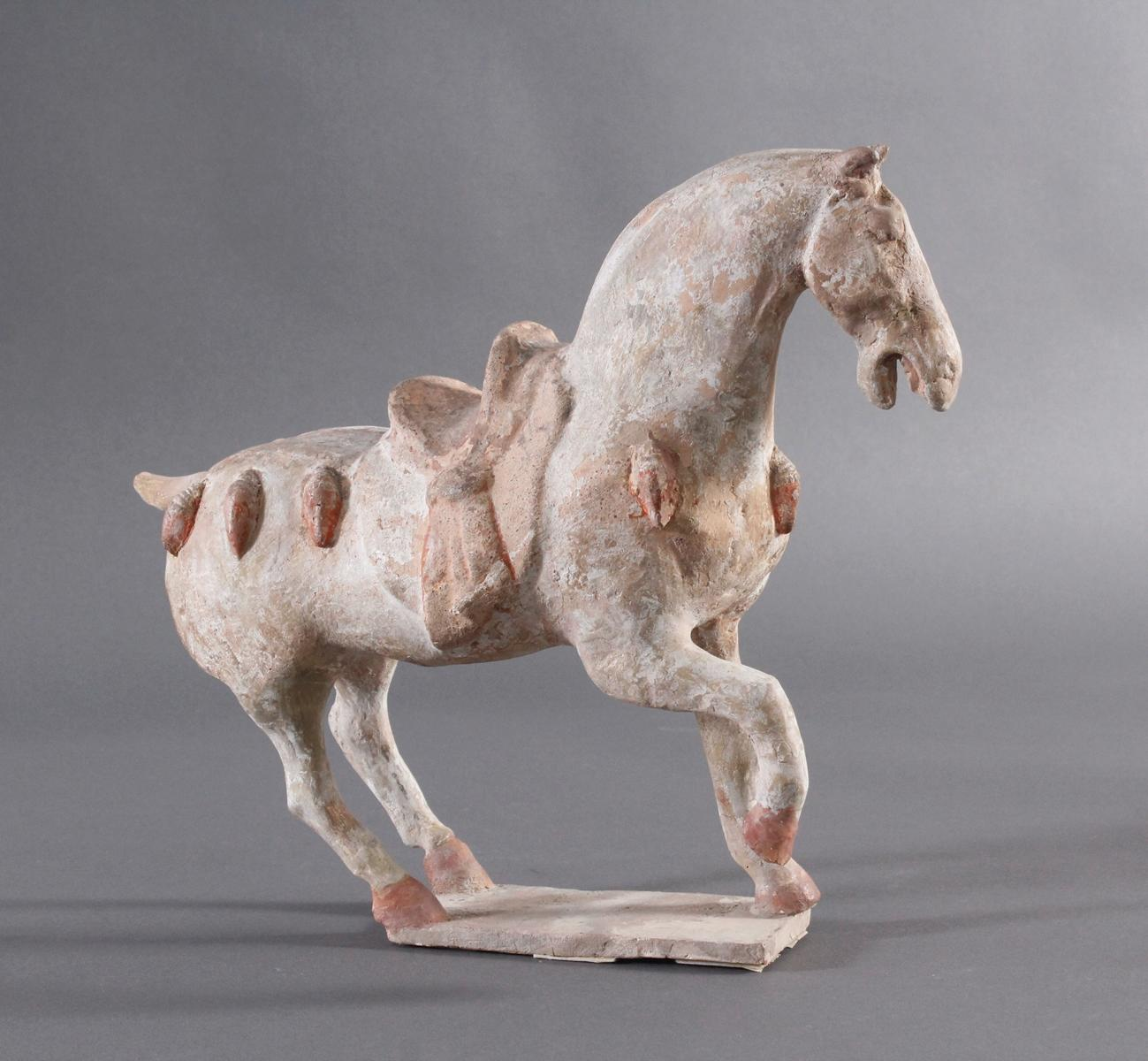 China Tang-Dynastie, Pferd aus gebranntem Ton-2