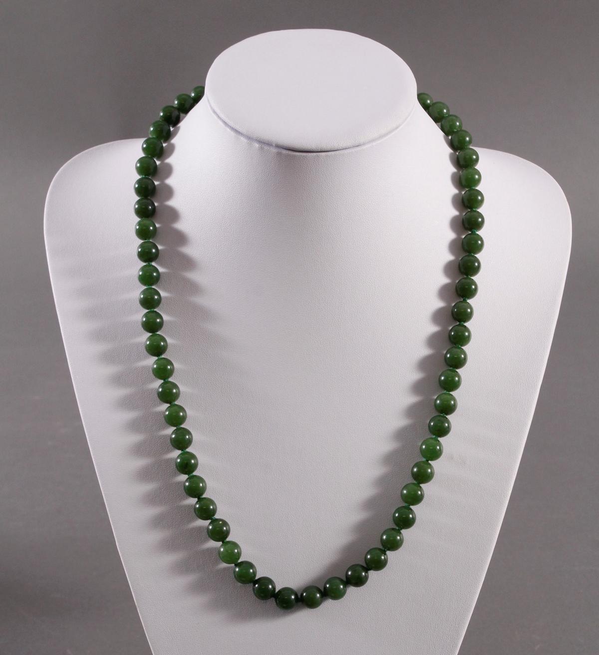 Jade-Halskette