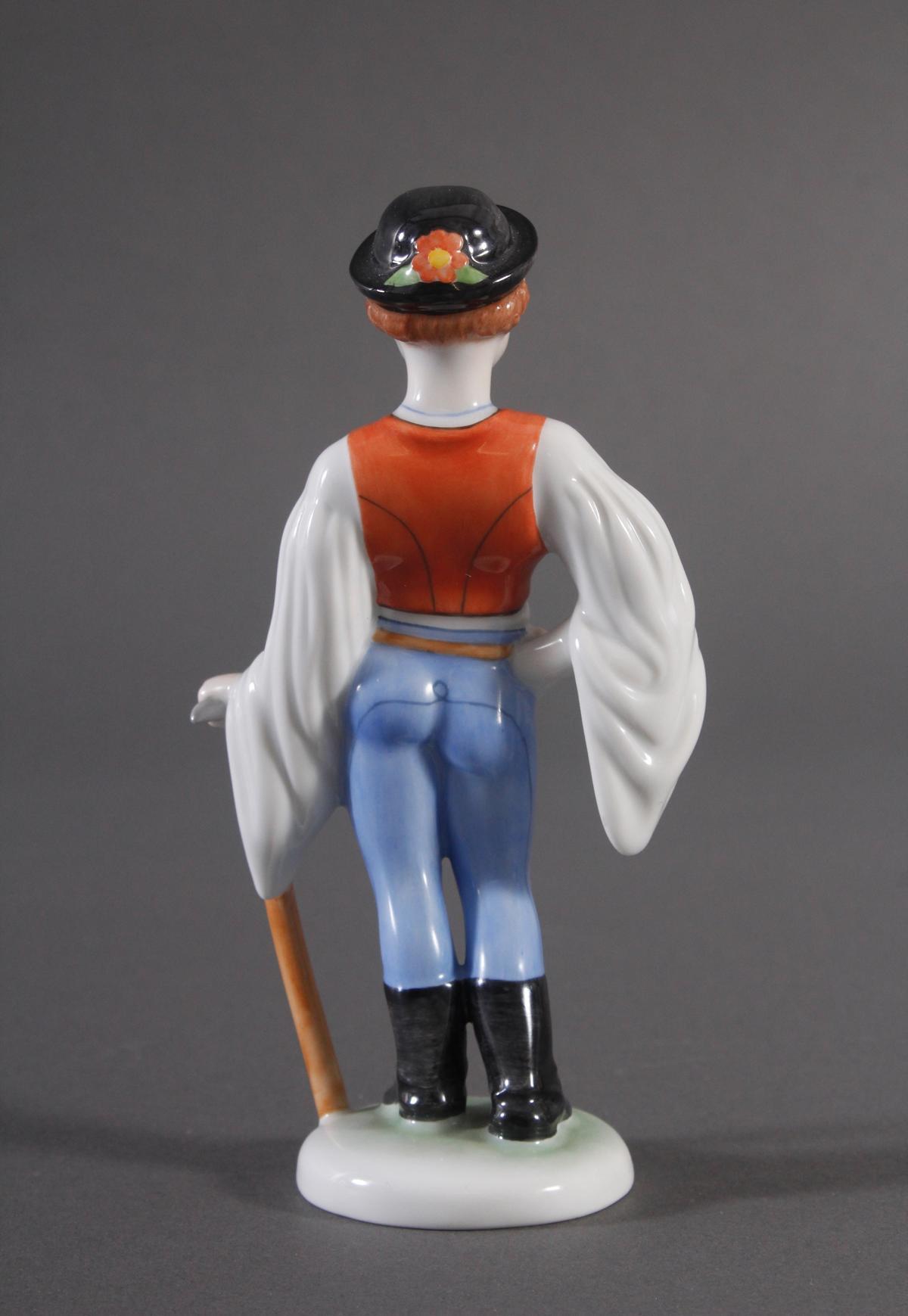 Herend-Figur, Ungarn, 'Trachten Junge mit Axt'-4