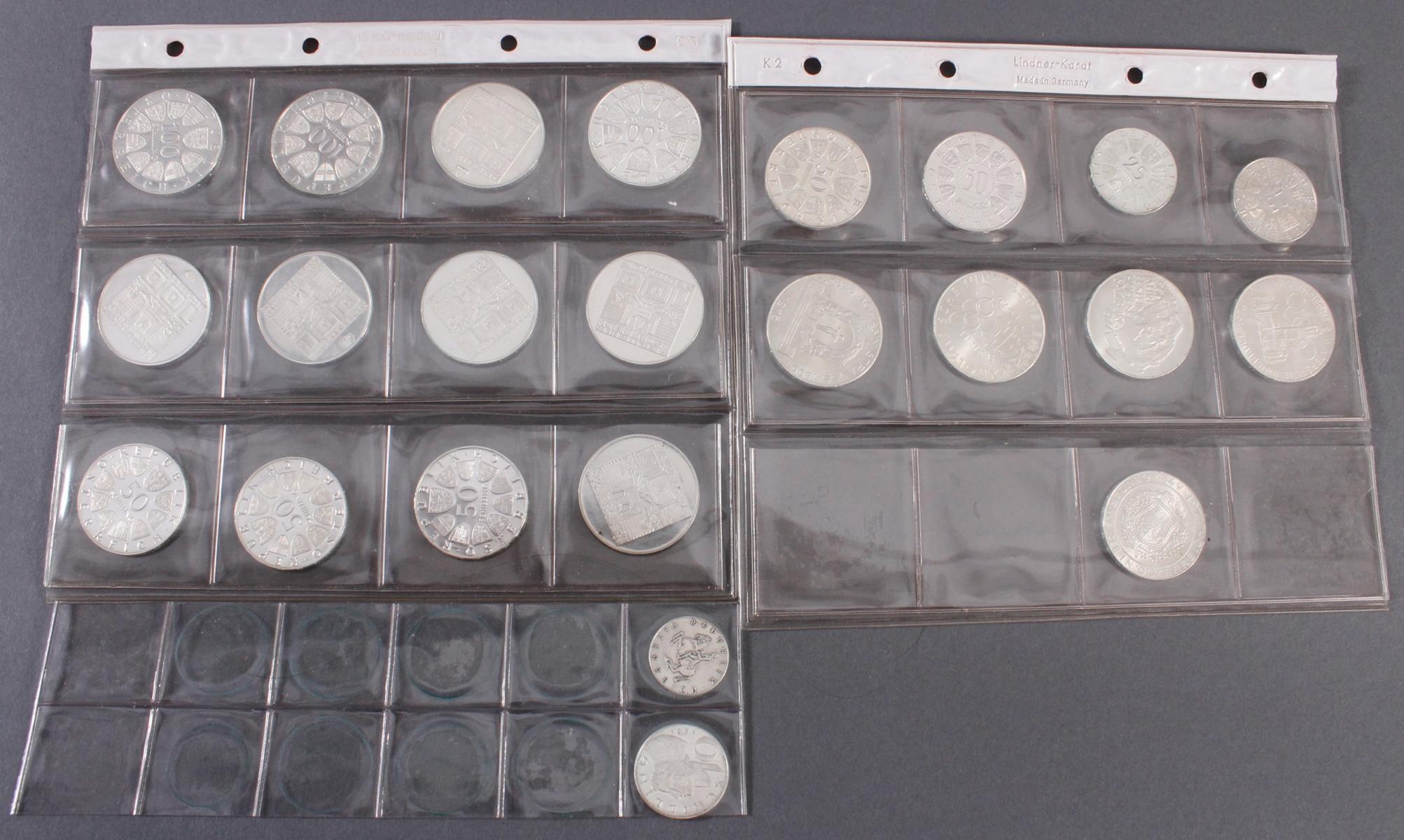 Schilling Münzen, u.a. 100, 50 und 5 Schilling