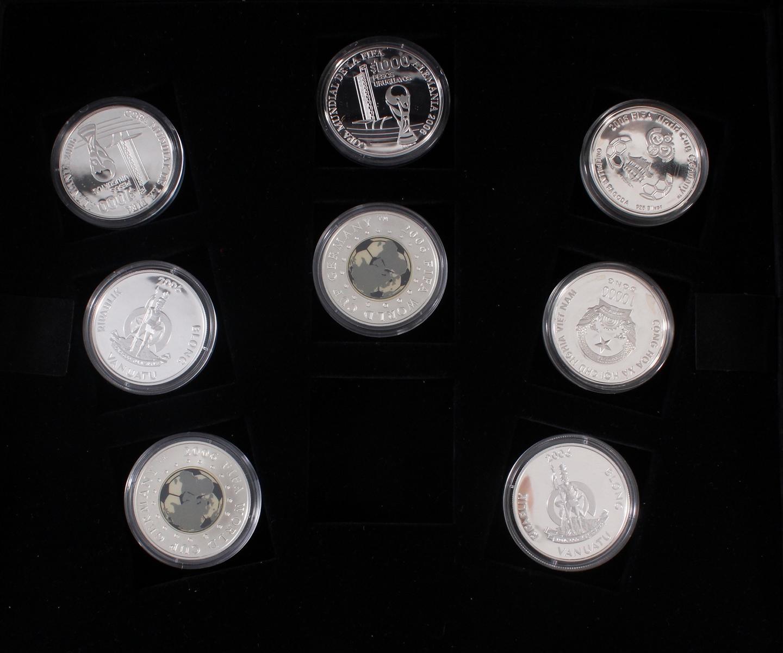 Die offiziellen Silber-Gedenkmünzen der Fifa Fußballweltmeisterschaft Deutschland 2006-4