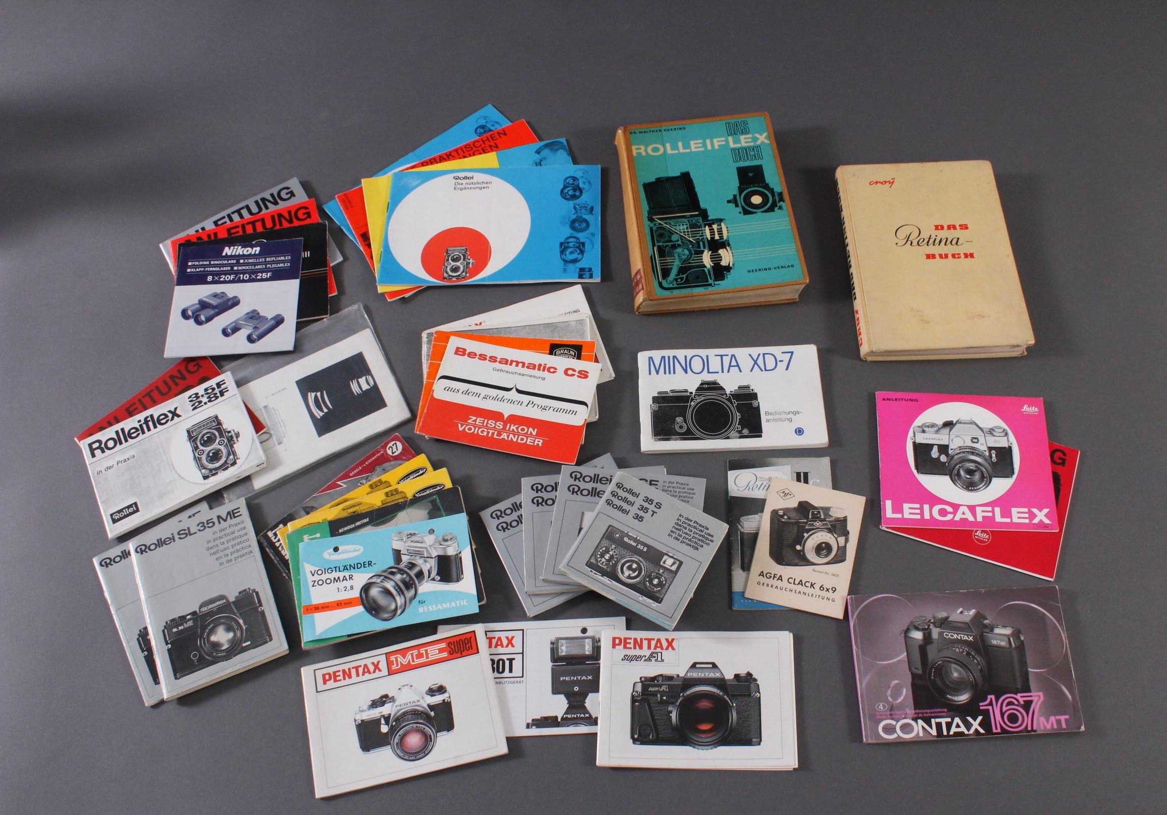 Konvolut Bedienungsanleitungen und Literatur für Fotoapparate-2