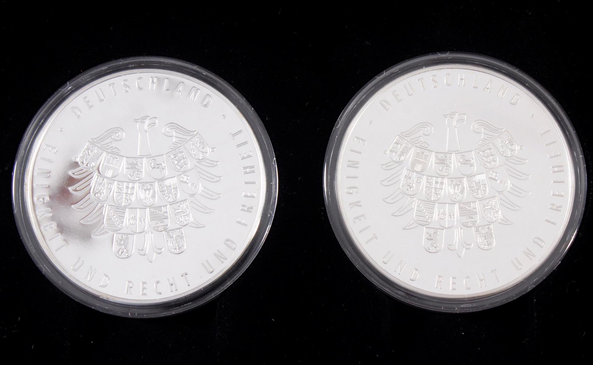 Die offiziellen Silber-Gedenkmünzen der Fifa Fußball-Weltmeisterschaft Deutschland 2006-3