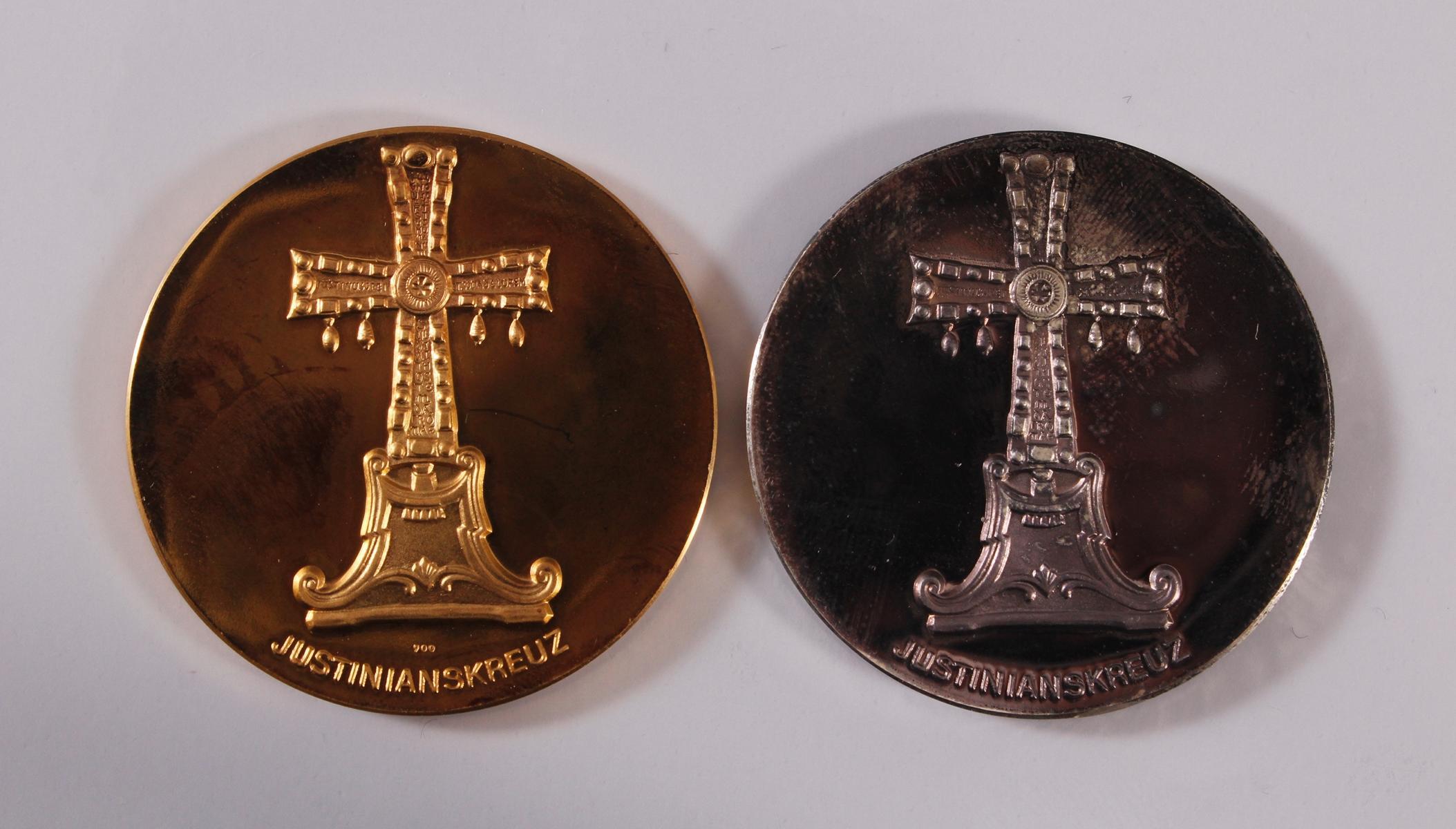 Gold- und Silbermedaille Paul VI. 1897 – 1978, Justinianskreuz-2