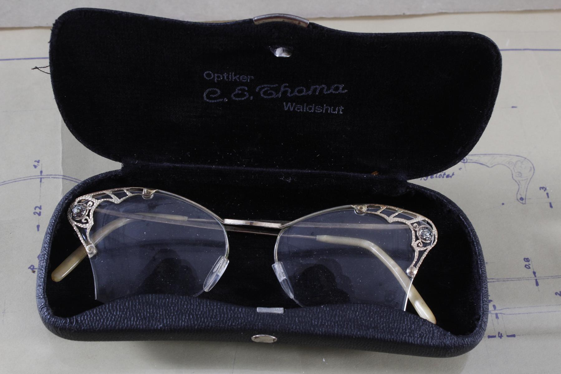 Schmuckbrille, Meisterstück von 1954-3