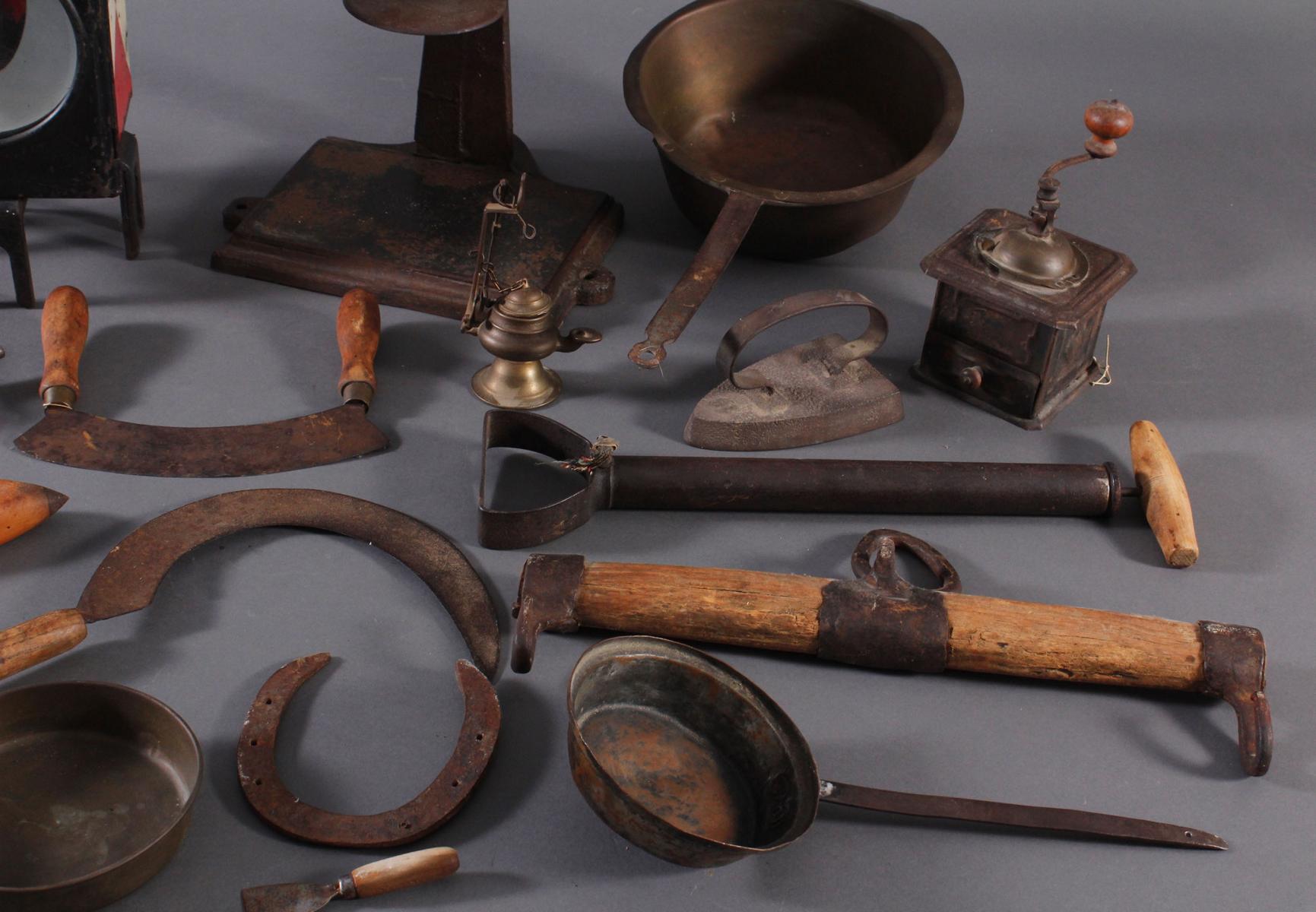 Antike Werkzeuge, Gebrauchs- und Dekorationsgegenstände-2