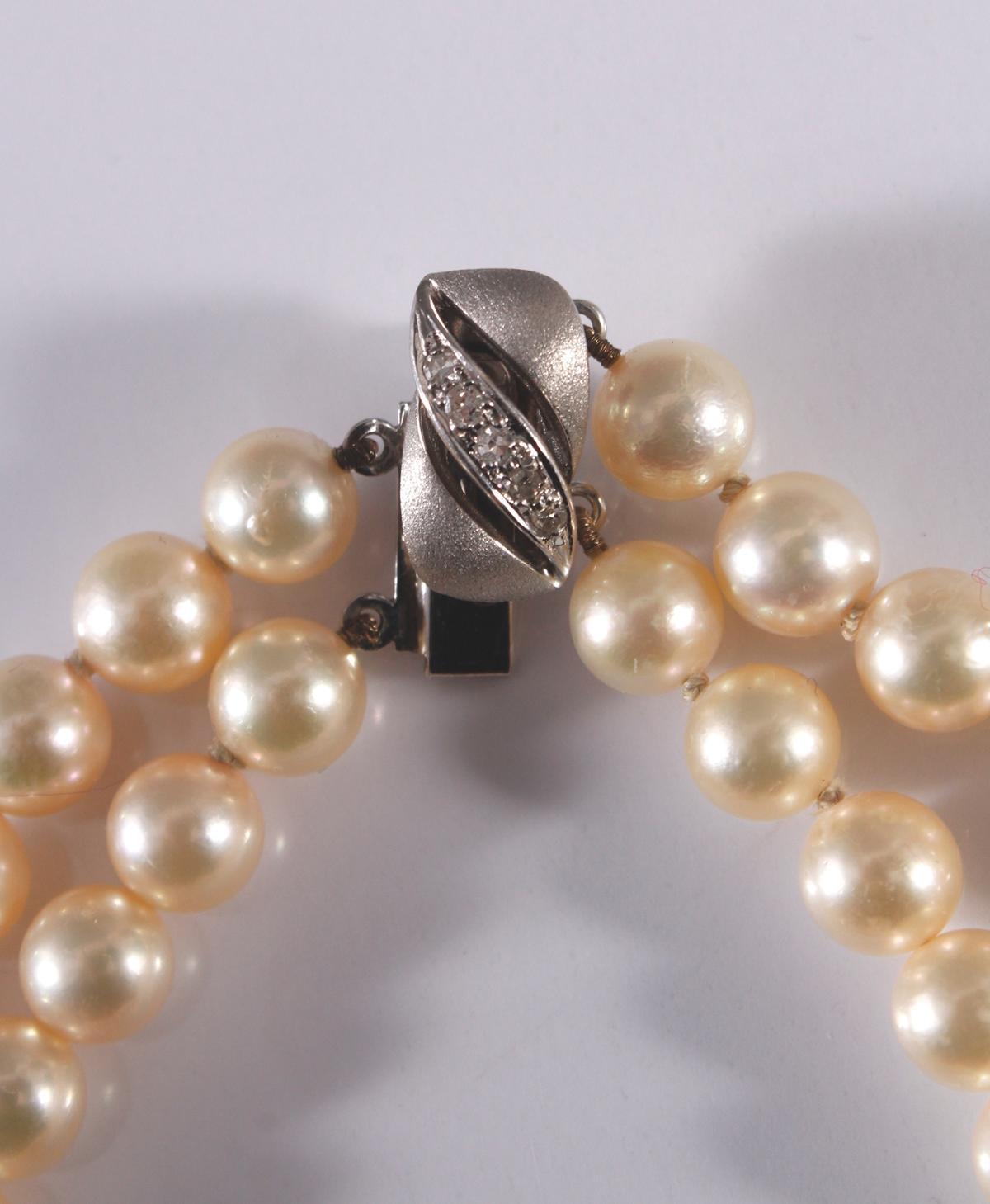 Perlenarmband mit 14 kt Weißgoldschließe und Diamanten-3