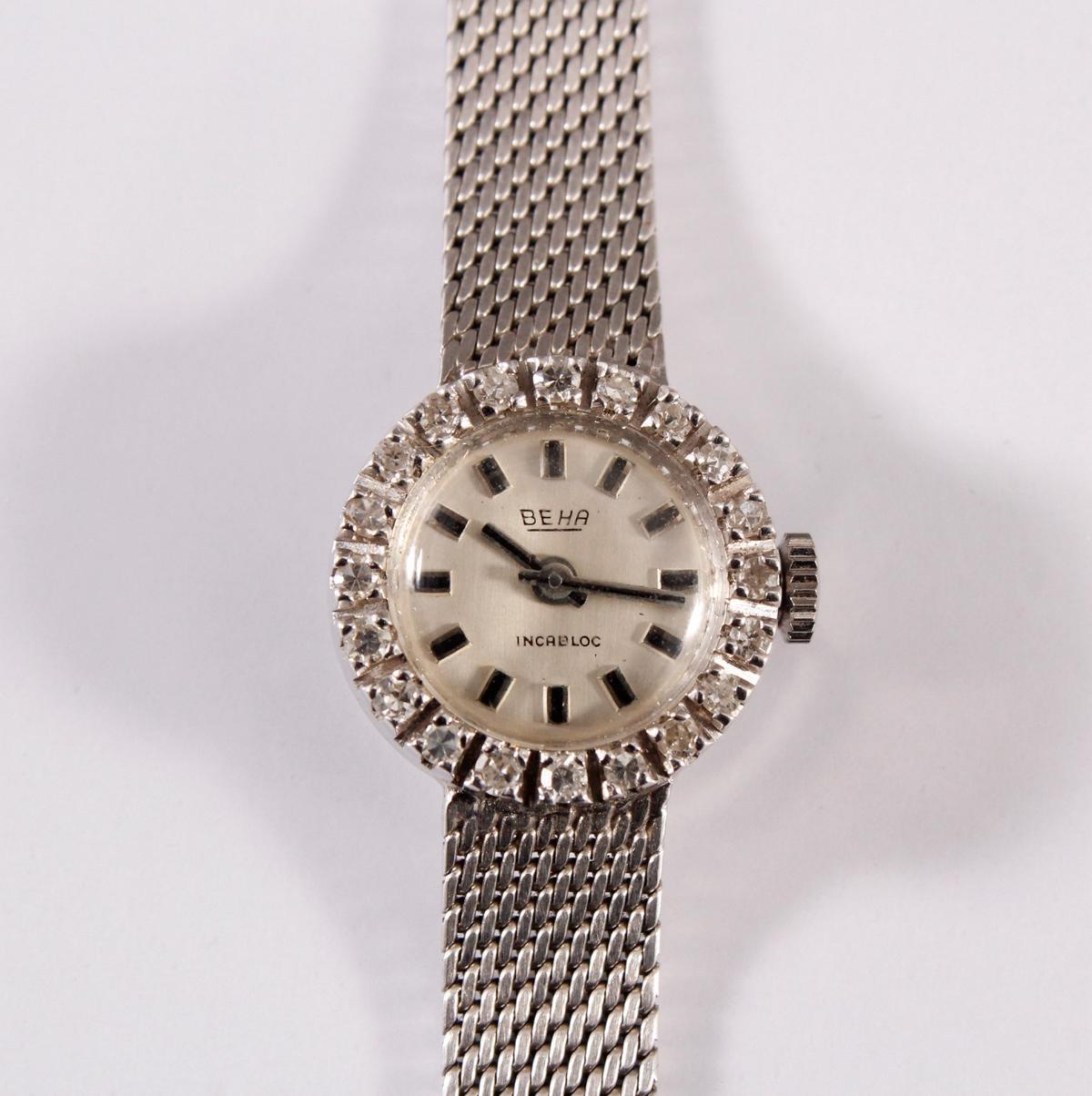 Damenarmbanduhr der Marke Beha mit Diamantkranz, 14 kt Weißgold-2