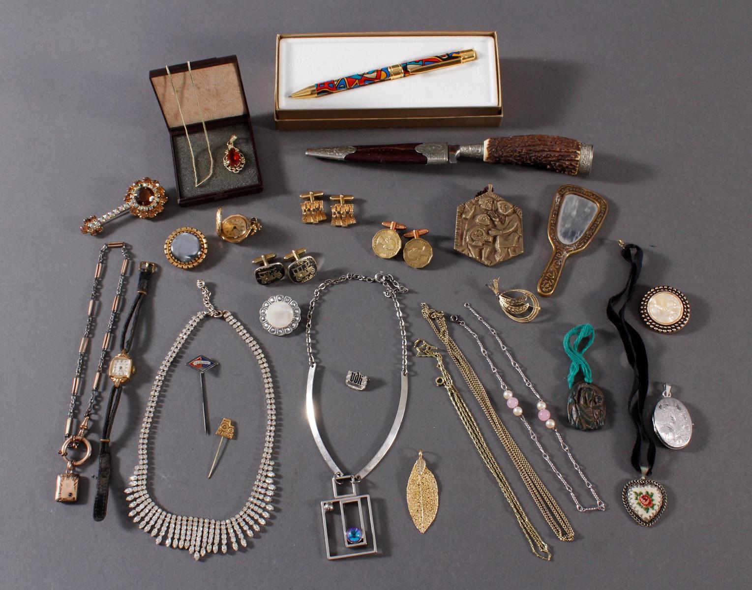 Konvolut Modeschmuck und Gebrauchsgegenstände